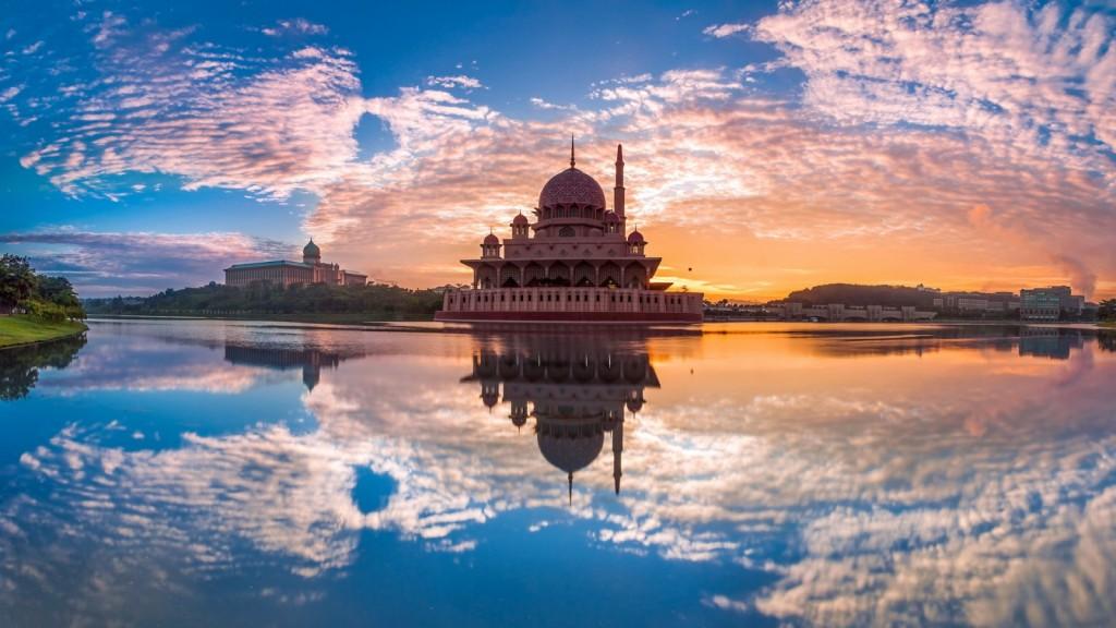 putrajaya-malaysia-1600x900