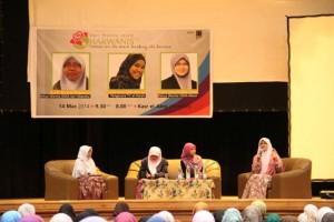 Muslimah Harus Sepakat Tolak Feminisme