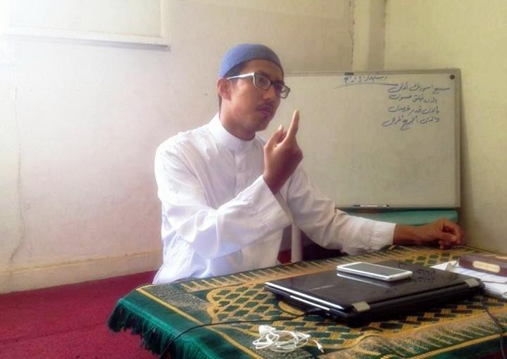 Ustaz Amirul sedang menyampai Kelas Tafauuq Ramadhan di Beyt Sahabat.